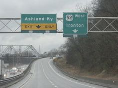 Overheads approaching the bridge to Ashland, KY on US 52 in Ohio
