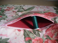 Sewing Zippers in Bags Tutorial 1. (aka Zippered inner bag pocket)