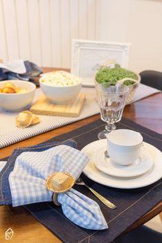 Café da tarde de festa junina com tons de azul Table Decorations, Furniture, Home Decor, Shades Of Blue, Diy Creative Ideas, Party, Decoration Home, Room Decor, Home Furnishings
