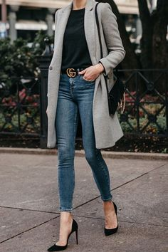 Zara Grey Wool Coat Black Sweater Denim Skinny Jeans Gucci Marmont Belt Christian Louboutin B Jeans Gucci, Donna Fashion, Petite Fashion, Curvy Fashion, Look Fashion, Autumn Fashion, 1930s Fashion, Feminine Fashion, Retro Fashion
