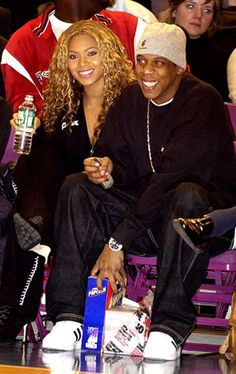 Beyonce and Jay-Z attended a Knicks game in 2002