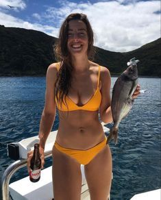What do you usually do on weekends? Going to a river and starting fishing is probably not a bad idea, Fishing Girls, Gone Fishing, Kayak Fishing, Fishing Boats, Fishing Hole, Funny Fishing Shirts, Fishing Humor, Bikini Fishing, Hunting Girls