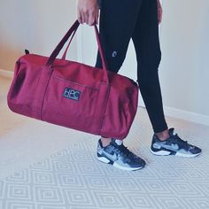 """""""As a fashion design major, we're being taught in all of our classes the importance of sustainable design. So, I am all about style with a purpose. This is definitely a purchase I'd say is worth investing in.""""- @inexpensivechic #instabag #gymbag #instastyle #instatravel #instafashion #gymmotivation #travelbag #travel #trip #ethicalfashion #ethicalvegan #vegan"""