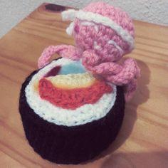 Who's gonna eat sushi tonight?  #sushi #maki #makis #makicrochet #octopus  #poulpe #crocheting #crochet #crochetdoll #amigurumiaddict #amigurumilove #amigurumi #amigurumis #artoninstagram #instacrochet #kawaii by alexaucrochet