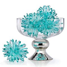 Arrange our Crystal Flower Spheres in a decorative bowl as we have here, gather them on a table, or nestle them among votive candles on a dining table to set the mood for a dressy dinner party. The possibilities are endless.