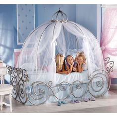 RC Willey - Disney Princess Carriage Twin Bed- OMG wish i had this as a kid, such a cute bed idea