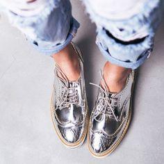 Silver oxfords//