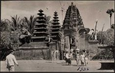 All Information About Bali Island Vintage Pictures, Old Pictures, Old Photos, Temple Bali, Old Photography, Denpasar, Indochine, Architecture Old, Balinese