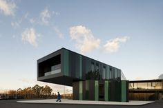 Arriva Headquarters in Portugal by RVDM