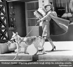 herkesin birlikte alışveriş yapmaktan keyif aldığı bir arkadaşı vardır. ByMaritsa.com #vintage #retro #moda #giyim #kadıngiyim #kadınmoda  #kadın #vintagegiyim #retrogiyim #bymaritsa