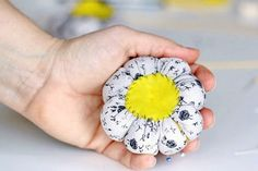 For your sewing kit, you will definitely need at least one pincushion, if not more. I, for example have one for the needles, one for the pins and one attached to the sewing machine, whenever I use a needle and do not put it at his place. Things to use: Material for the stuffing Pencil …