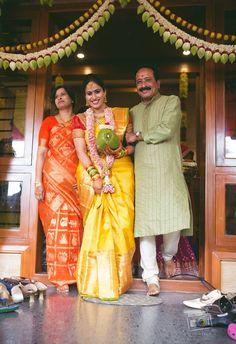 Lotus thoranai and love the moms saree Wedding Mandap, Wedding Stage, Tamil Wedding, South Indian Bride, Indian Bridal, Wedding Prep, Wedding Bells, Wedding Events, Wedding Ideas