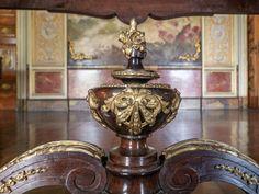 https://flic.kr/p/UyLQqN   Detalhe   Móvel no Palácio do Catete.  Rio de Janeiro, Brasil. Tenha um belo dia.  ______________________________________________  Detail  Catete Palace furniture.  Rio de Janeiro, Brazil. Have a great day! :-)  ______________________________________________  Buy my photos at / Compre minhas fotos na Getty Images  To direct contact me / Para me contactar diretamente: lmsmartins@msn.com