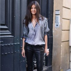 Her signature looks include a pair of flattering slimline trousers paired with teetering high-heels and a jacket that adds a bit of chic edge* - This is so me! - Barbara Martelo - fashion editor at Vogue Spain Barbara Martelo, Casual Chic, Metallic Blouses, Mode Jeans, Leather Trousers, Leather Leggings, Leather Jackets, Leather Skirt, Street Chic