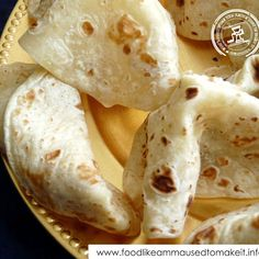 How to make the easiest roti recipe from scratch. Tart Recipes, Curry Recipes, Vegetarian Recipes, South African Recipes, Indian Food Recipes, Soft Roti Recipe, Banana Curry, Snowballs Recipe, How To Make Bbq