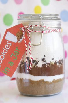 Last Minute Gift Ideas: DIY Cookie Mix in a Jar