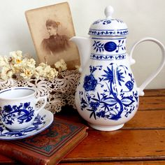 Vintage German Porcelain Teapot / Coffeepot Blue danube Onion pattern German Porcelain