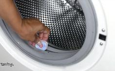 Si tu lavadora desprende mal olor o tu ropa no sale del todo limpia, necesita una limpieza en profundidad y urgente.