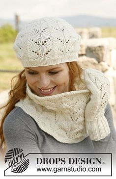 """Knitted DROPS neck warmer, mittens and hat with lace pattern in """"Nepal"""". ~ DROPS Design"""