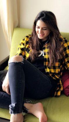 Horriya Rani Lovely Girl Image, Cute Girl Photo, Girl Photo Poses, Girls Image, Girl Photos, Nice Girl, Indian Bollywood Actress, Beautiful Bollywood Actress, Punjabi Actress