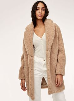 THE TEDDY COCOON - Cozy sherpa cocoon coat Teddy Bear Coat, Coats For Women, Clothes For Women, Shearling Jacket, Fur Jacket, Capsule Wardrobe, Casual Outfits, Casual Clothes