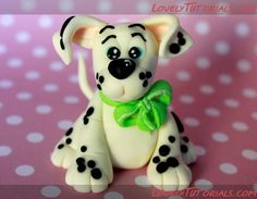 Sweet Janis Sugar Art, international modelling classes and cake design Dog Cake Topper, Cake Topper Tutorial, Fondant Tutorial, Fondant Toppers, Polymer Clay Animals, Polymer Clay Art, Biscuit, Dog Themed Parties, Fondant Animals