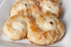 individual danish pastries (cream cheese & apricot)