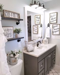 Adorable 73 Modern Farmhouse Bathroom Remodel Ideas https://homstuff.com/2017/11/18/73-modern-farmhouse-bathroom-remodel-ideas/