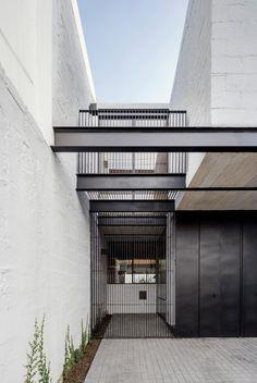 Gallery - RR House / Delfino Lozano - 13