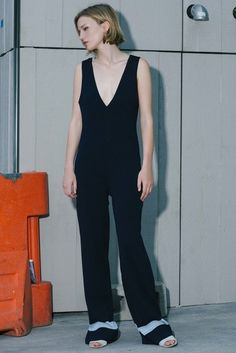 See the complete Nomia Resort 2017 collection.