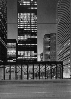 toronto dominion Centre by Ludwig Mies van der Rohe. Toronto Architecture, Contemporary Architecture, Interior Architecture, Revit Architecture, Japanese Architecture, Interior Design, Ludwig Mies Van Der Rohe, Brutalist, Walter Gropius