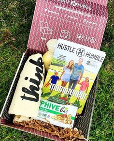 Excited to be a part of this month's @hustlehumblebox! 🌱And... with our very own @bodybycarrie and fam featured on the cover! You can find our story behind PHIVE inside, as well as #mompreneur tips from Carrie! 👊🏼 This box is filled with some amazing goodies, including our PHIVE Bar. Check 'em out! 👌🏼Thank you Hustle and Humble and @chicexecs 👏🏼👏🏼 #gimmePHIVE - #momlife #entrepreneurlife #smallbusiness #local #Encinitas #californiafamily #sandiego #samplebox #familyiseverything…