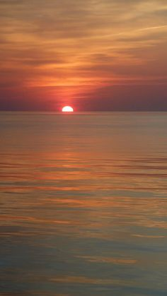 . Tres Belle Photo, Ocean Scenes, Waves, Dusk To Dawn, Message In A Bottle, Close Up, Sunrise, Sky, World