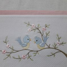 Hand Embroidery Videos, Hand Embroidery Tutorial, Hand Embroidery Stitches, Floral Embroidery Patterns, Hand Embroidery Designs, Free Machine Embroidery Designs, Embroidery Hoop Nursery, Baby Embroidery, Baby Applique