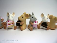 Little Mouse with Cake (£18)