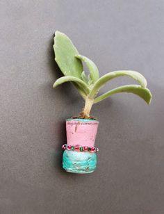 Ingenious Wine Cork Planters For Your Little Plants Wine Craft, Wine Cork Crafts, Coastal Christmas Decor, Cactus, Cork Coasters, Little Plants, Succulents Diy, Fun Crafts, Adult Crafts