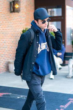 King Robert, Robert Douglas, Madonna Daughter, Kathie Lee Gifford, Robert Pattinson Twilight, Just Jared Jr, Nyc, Edward Cullen, The Hollywood Reporter