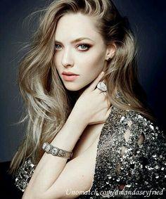 A.k..Amanda Seyfried beautiful women