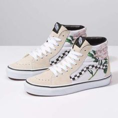 606bcb4076b4fd Browse bestselling Shoes at Vans including Women s Classics