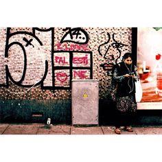 I like honest walls do you? - Me gustan las paredes honestas tú también? - #SudacaFrames #ElojoabiertodeGuaicaipuro #35mm #film #travel #people #time #Instagram #Losangeles #analog #nyc #rawlife #berlin #street #photographer #Caracas #filmmaker #mexicocity #artist #London #burnmagazine #collection #smoke #foto #photography #somewheremagazine #filmphotography #filmisnotdead
