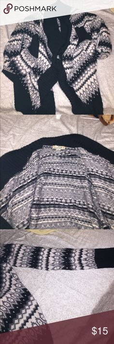 Black Patterned Sweater Black sweater. Comfy. Good condition Sweaters Shrugs & Ponchos
