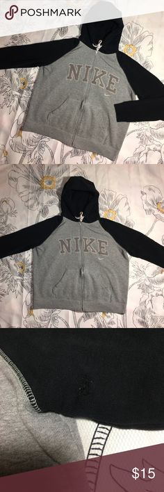 Nike Zip Up Hoodie x Sweatshirt x Jacket Size Small - small hole on left sleeve - faint bleach marks on tight hard to notice Nike Shirts Sweatshirts & Hoodies