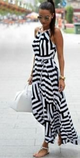 Ways to Wear Printed Maxi Dresses in Style - Mode, WomenPrinted Maxi Dress 3 Summer Fashion Trends, Latest Fashion Trends, Spring Summer Fashion, Summer Chic, Fashion Ideas, Style Summer, Summer Beach, Striped Maxi Dresses, Cute Dresses