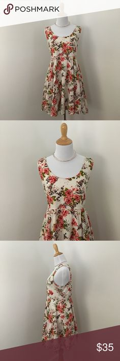 Kimchi Blue Pin Up Floral Skater Dress Adorable Urban Outfitters Kimchi Blue cotton rose print vintage pin up style skater dress with back Zip and built in skirt slip size Large Urban Outfitters Dresses Mini