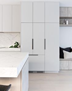 The integrated fridge // ⠀⠀⠀⠀⠀⠀⠀⠀⠀ A slick and minimalist inclusion to any kitchen. In our Teal Ave townhouses we used the model… Home Design, Küchen Design, Kitchen Cabinet Handles, Grey Kitchen Cabinets, Home Decor Kitchen, Kitchen Interior, Luxury Kitchens, Home Kitchens, Countertop Concrete