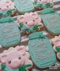 Fun Cookies, Sugar Cookies, Mason Jar Vases, Royal Icing Cookies, Cookie Designs, Cookie Decorating, Sweet, Desserts, Farm Animals