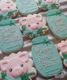 Fun Cookies, Sugar Cookies, Mason Jar Vases, Royal Icing Cookies, Cookie Designs, Cookie Decorating, Sweet, Desserts, Farm Animals