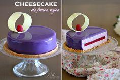 Cheesecake de frutos rojos y glaseado violeta brillante