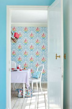 Are you interested in our PiP Studio floral shabby chic wallpaper ? With our Pip Studio Wallpaper you need look no further. House Of Turquoise, Pip Studio, Studio Room, Aqua Dining Rooms, Shabby Chic Wallpaper, Aqua Wallpaper, Happy Wallpaper, Kitchen Wallpaper, Shabby Chic Decorating
