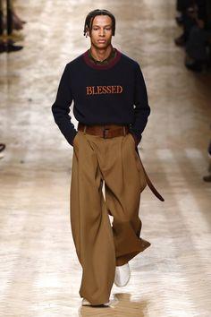 Qasimi Autumn/Winter 2018 Menswear - Streetwear Fashion Trends, Outfit Ideas, Men and Women Models Look Fashion, Winter Fashion, Fashion Show, Fashion Outfits, Fashion Design, Fashion Ideas, High Fashion, Urban Fashion, Men With Street Style